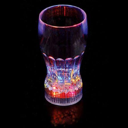 Бокал с разноцветной подсветкой светящиеся