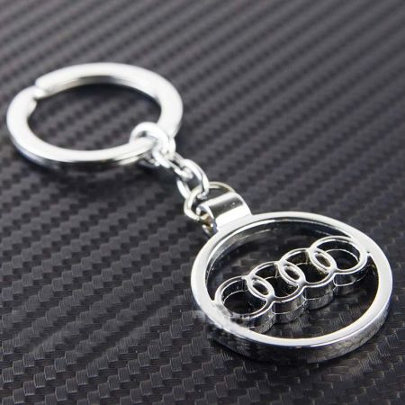 """Брелок """"Audi"""" для ключей"""