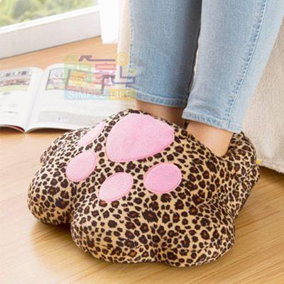 """Грелка для ног """"Леопардовая Лапа"""" с подогревом от USB"""